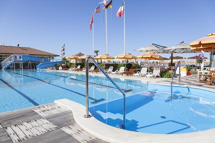 Piscina bagno il sole stabilimento balneare a viareggio con piscina - Bagno amedea viareggio ...