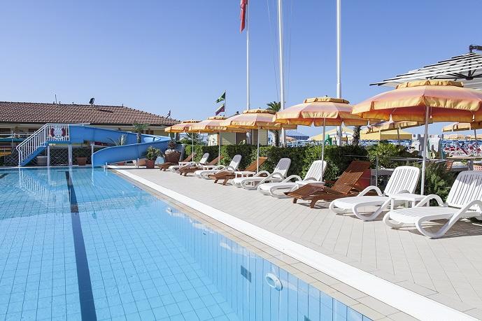 Pool bagno il sole a viareggio - Bagno sole viareggio ...